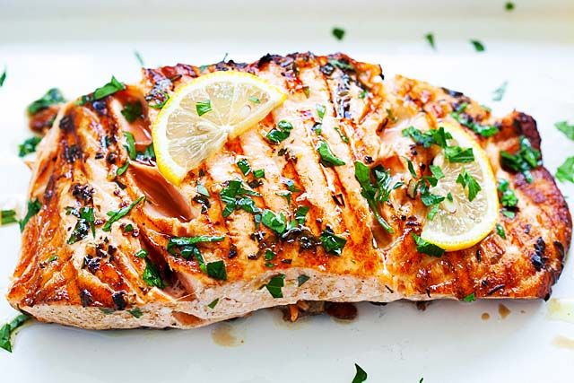 Garlic Herb Grilled Salmon (Grilled in 8 Minutes!) - Rasa ...