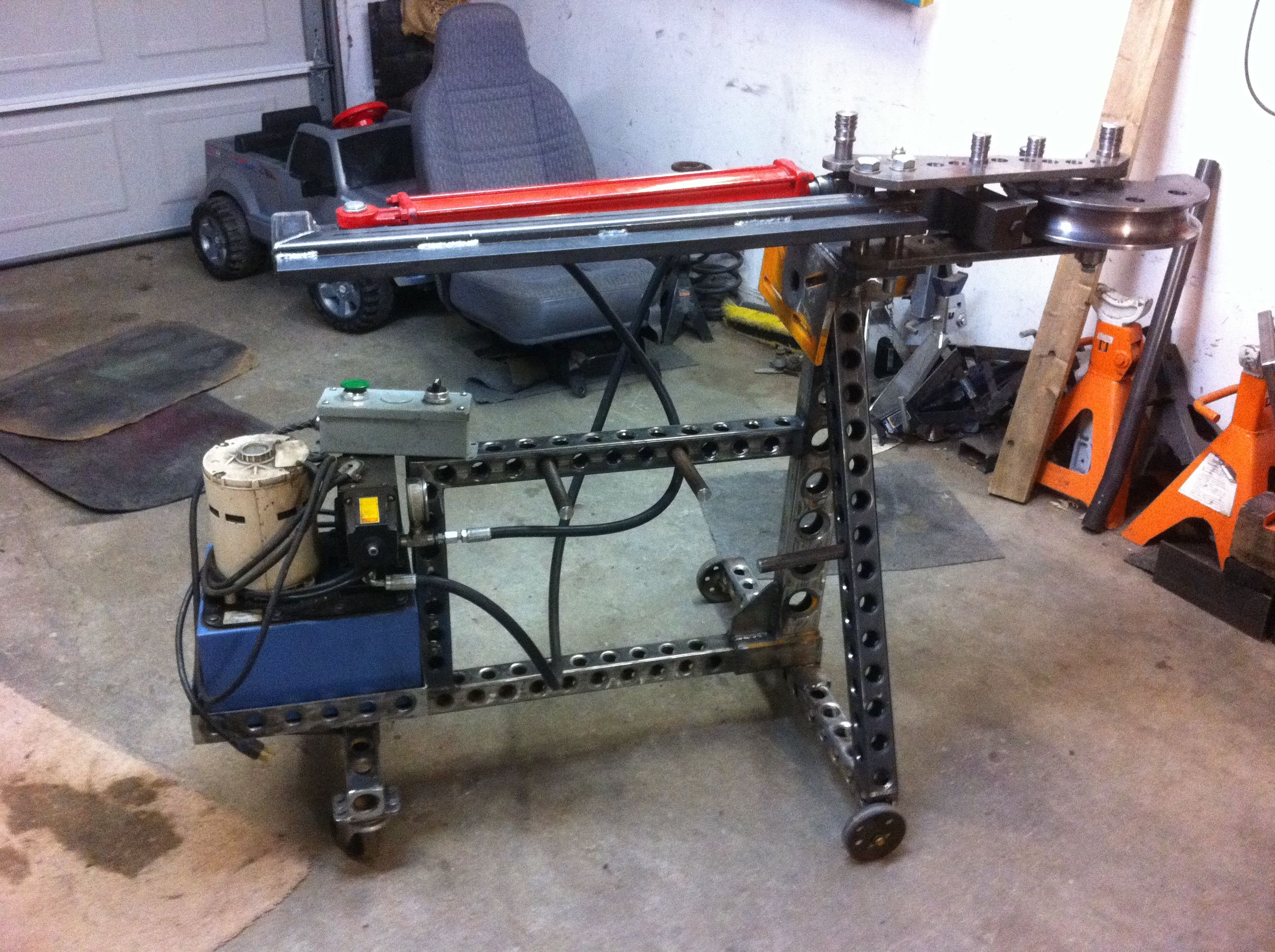 sawmill by tnmike homemade sawmill powered by a 6 5 horsepower