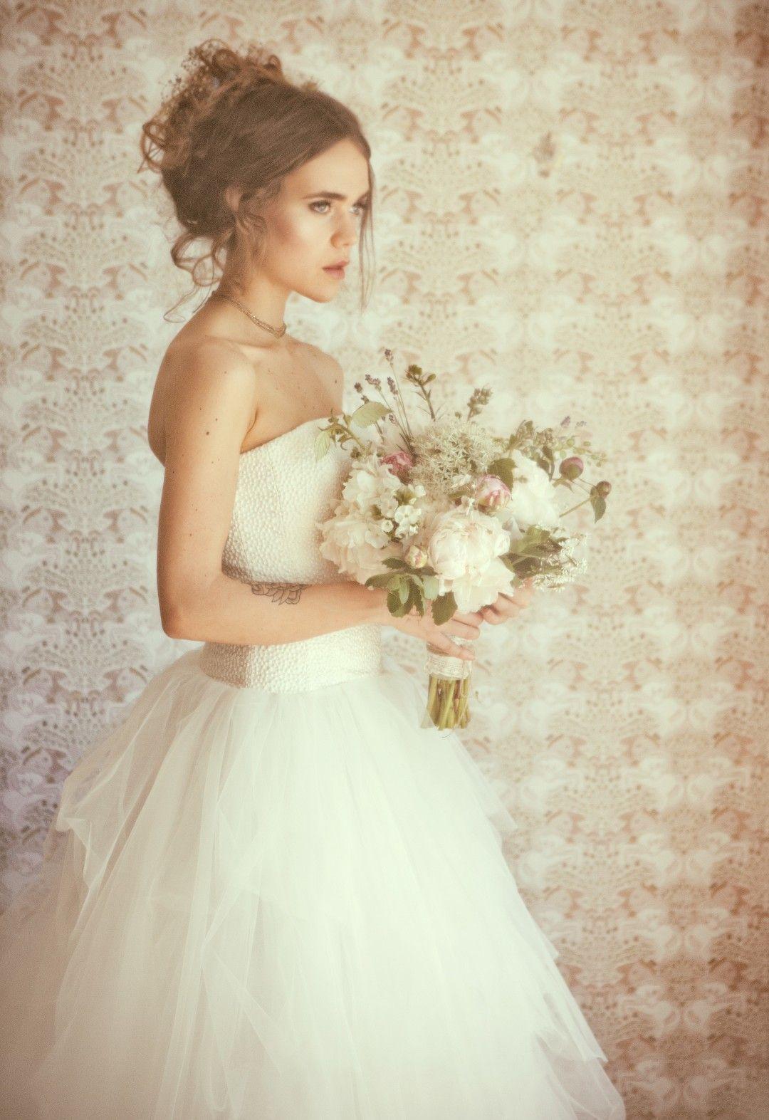 VANOLIA - Euer Tag, Eure Gäste, Eure App! Schulterfreies Brautkleid ...