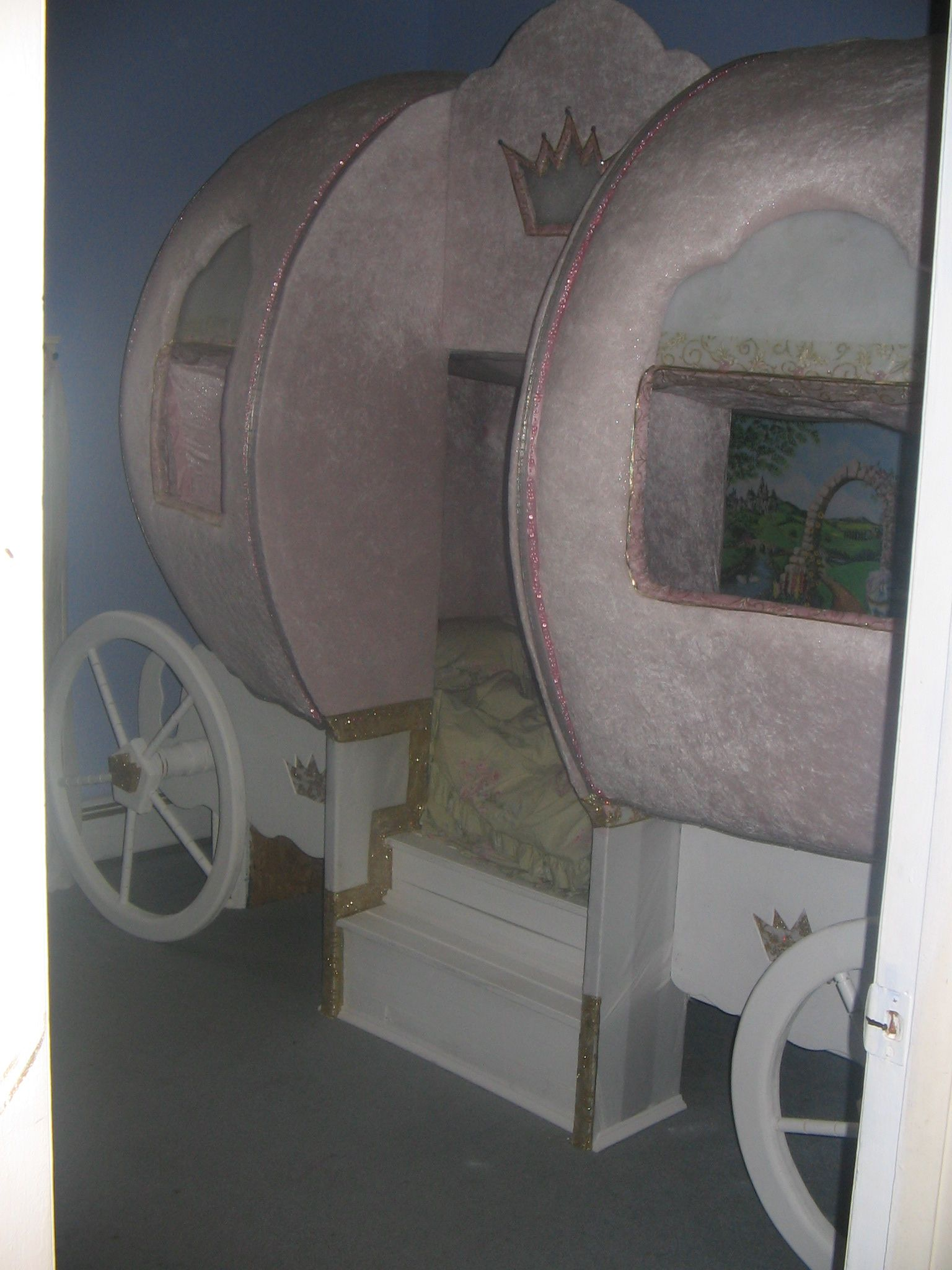 Best My Daughters Cinderella Carriage Bed We Made Her 400 x 300