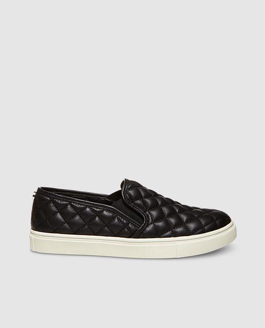 a990c251c46 Steve Madden-Zapatillas de piel planas tipo slip on en color negro con  elásticos laterales y detalle de acolchado.
