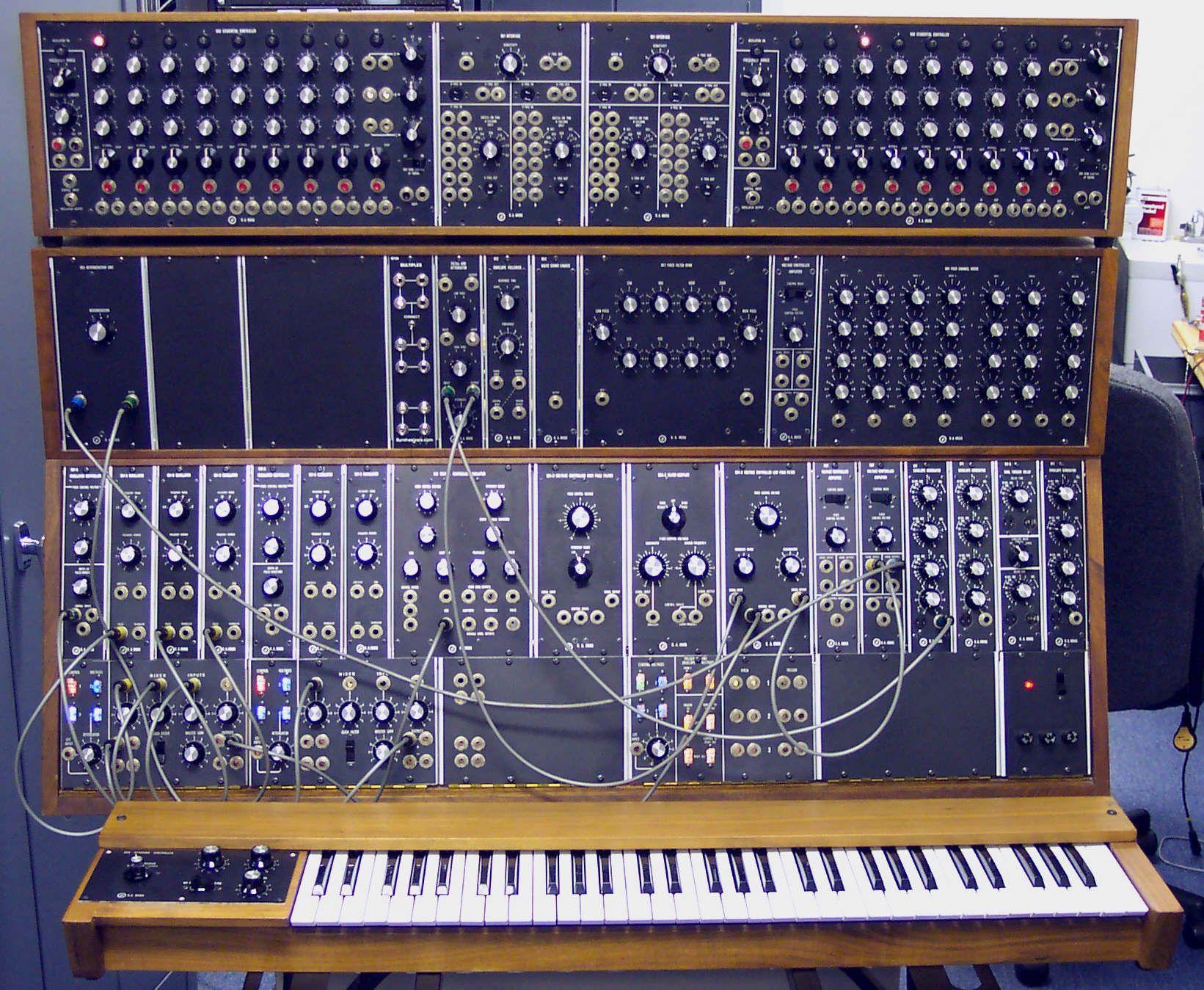 Moog Synthesizer 1c/2c/3c | Vintage Synth Explorer