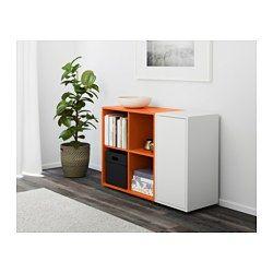 IKEA - EKET, Skåpkombination med fötter, vit/orange, , Dölj eller visa upp dina saker genom att kombinera öppen och stängd förvaring.Dörren har integrerad tryck-och-öppna-funktion, så du kan öppna den med bara ett lätt tryck.