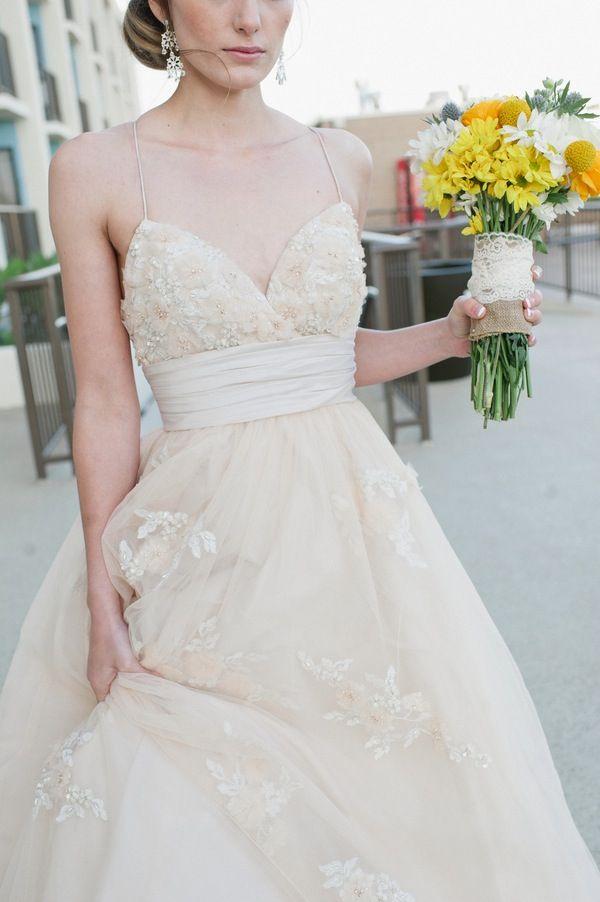 Bride In Cream Wedding Dress Yellow Green Bridal Bouquet Carissa Woo Photography