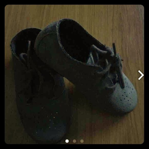 Toddler Zara Grey Bluchers Good used condition•Faux suede with laces Zara Shoes Flats & Loafers