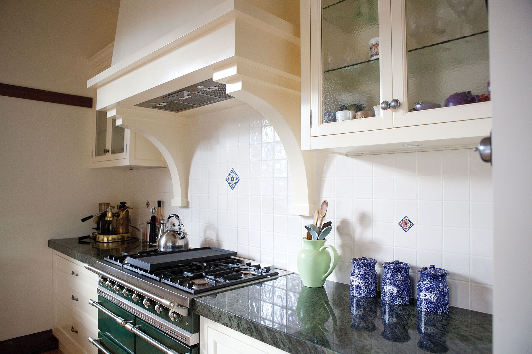Green Lacanche in kitchen with Split Level Island Steding