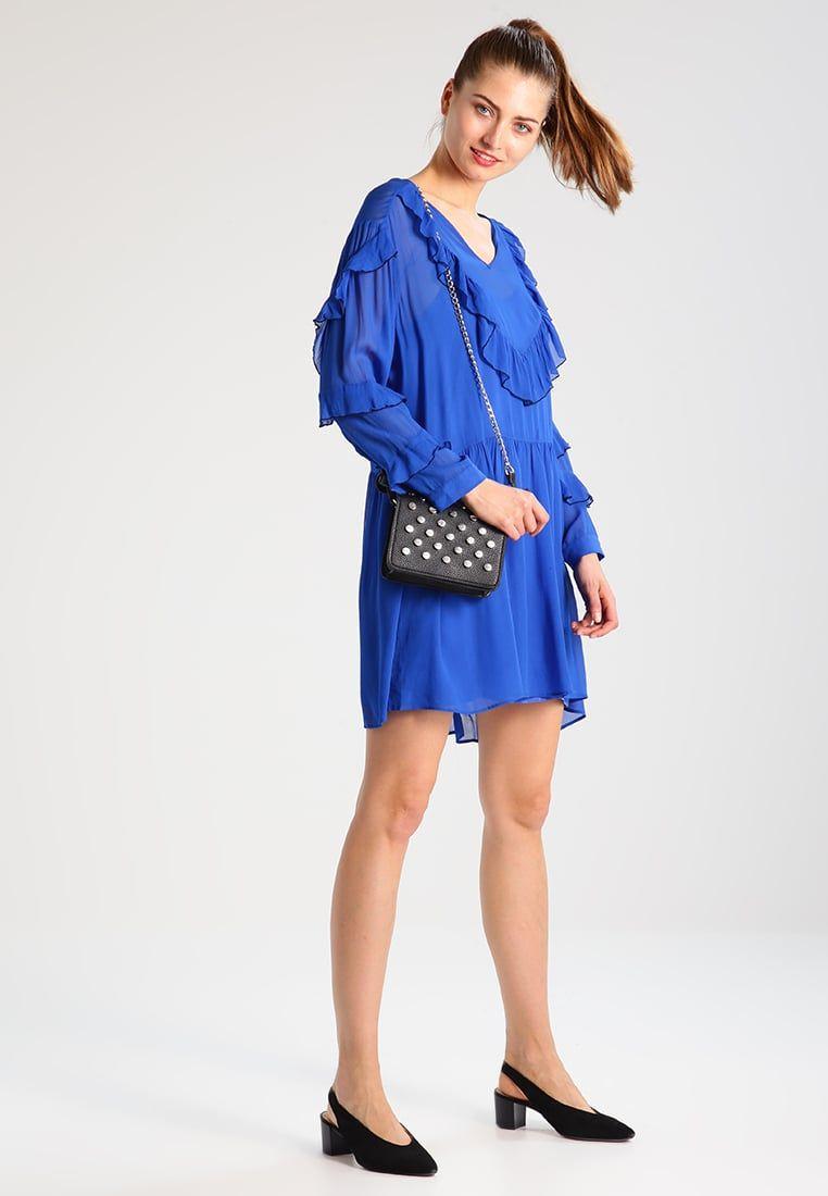 ¡Consigue este tipo de vestido informal de Custommade ahora! Haz clic para  ver los ba9aad52d777