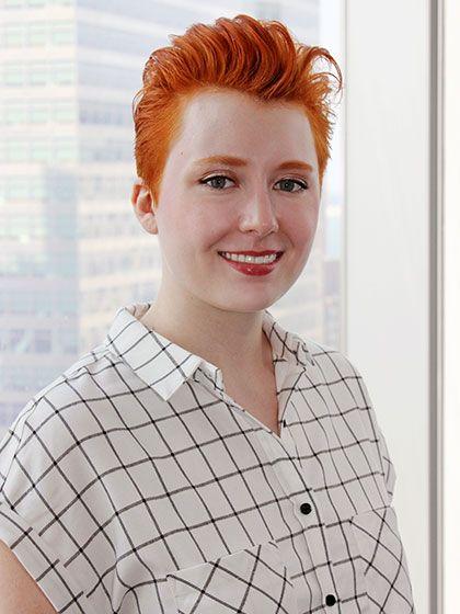 How One Short Haired Editor Styles Her Hair 5 Different Ways Trendy Short Hair Styles Short Hair Styles Medium Hair Styles
