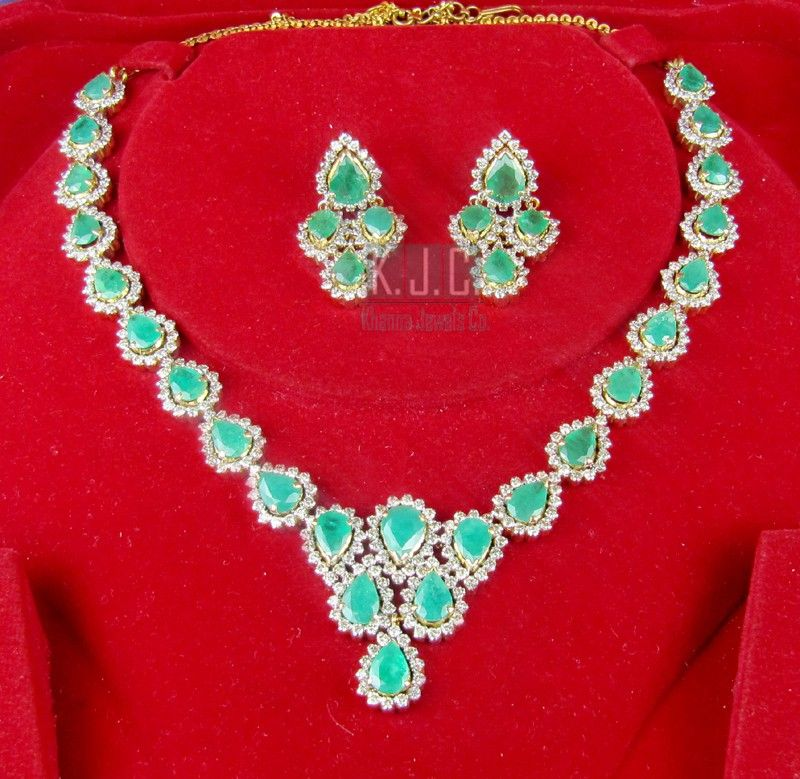 8.70 ct Natural Diamond Emerald 32.00 ct 14k gold Necklace Set