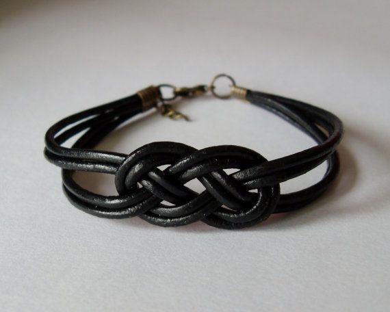 My DIY: Black leather strap bracelet with salior knot