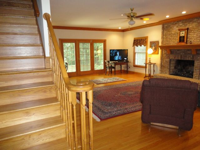 room colors with wood trim with images dining room on best laundry room paint color ideas with wood trim id=38634