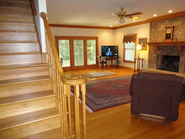 Room colors with wood trim | Paint | Pinterest