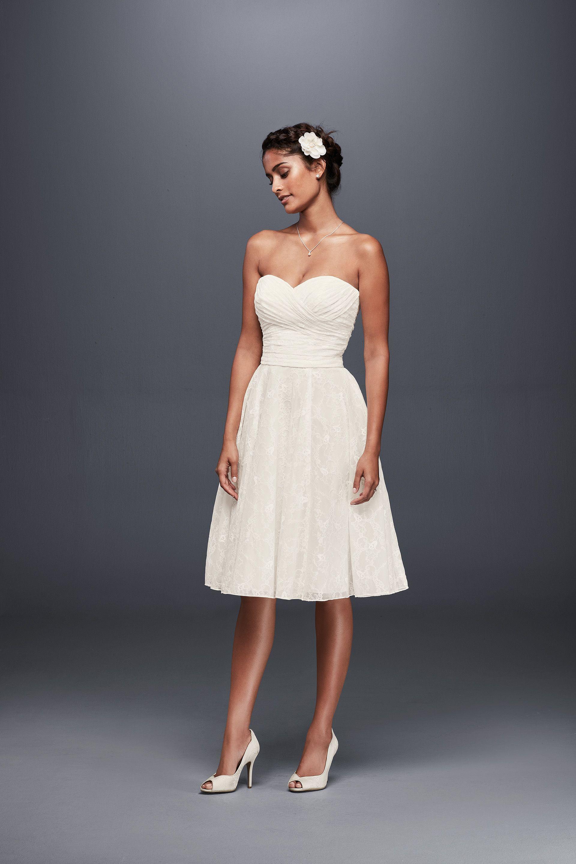 Strapless Lace Short Wedding Dress David S Bridal Short Wedding Dress Wedding Dress Styles Wedding Dresses Strapless [ 2880 x 1920 Pixel ]