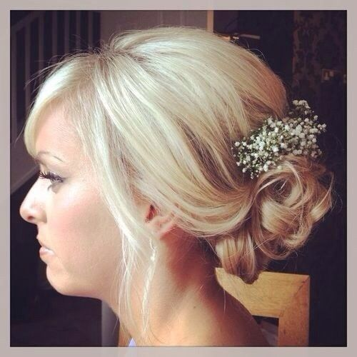 Lovely little hair piece for bridesmaids!