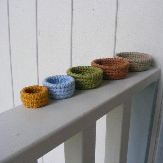 nesting bowls 6mo