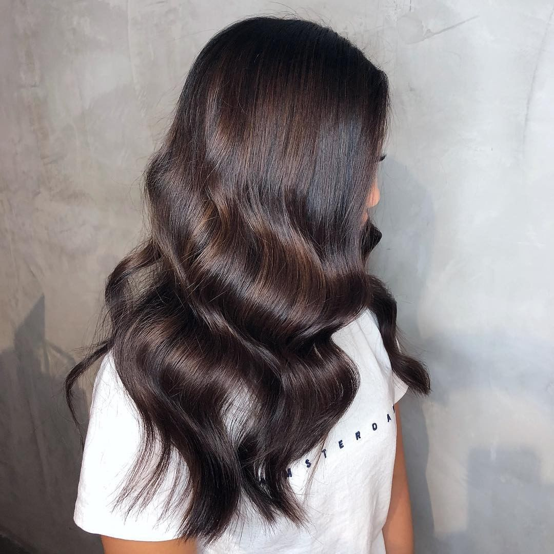 Smooth Ripples Of Espresso With Sebastianprofessional By Thugsbunny Protip To Create Dimensional Brunettes Hair Levels Dimensional Brunette Hair Styles