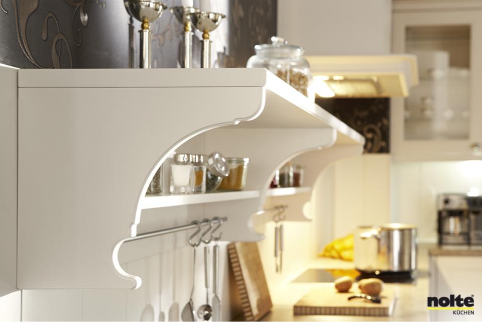 Küchenregal im Landhaus-Stil #Nolte #Kueche #Detail http://www ...