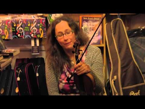 Anna Falkenau totally slays a sick air on the fiddle, rocking it Julia Clifford style. Thanks Custy's for recording and posting fantastic stuff like this.