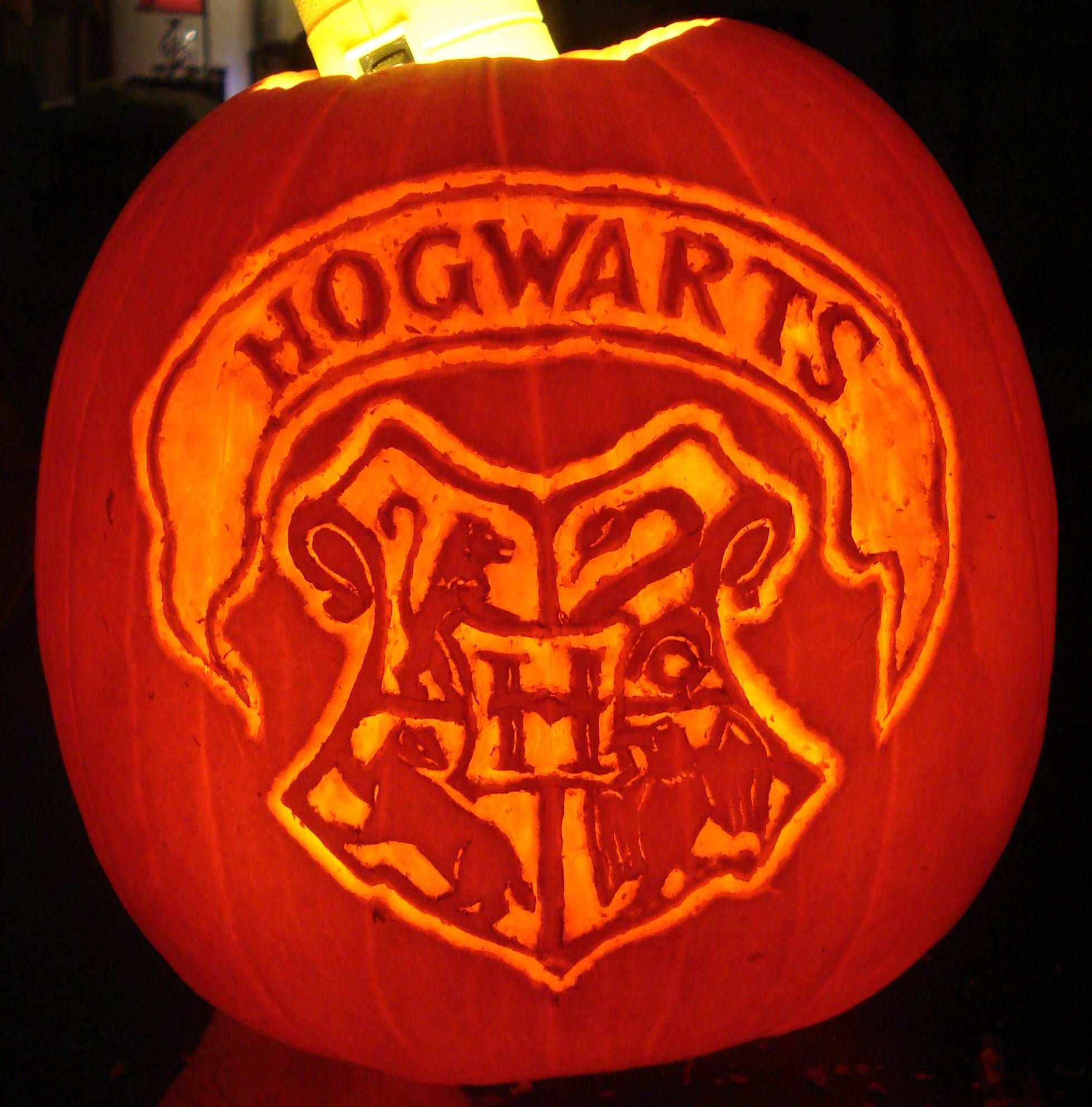 I Solemnly Swear I Am Up To No Good This Halloween Harry Potter Hogwarts Pumpkin Carving I Did In About 90 Minutes Harry Potter Pumpkin Carving Harry Potter Pumpkin Pumpkin Carving
