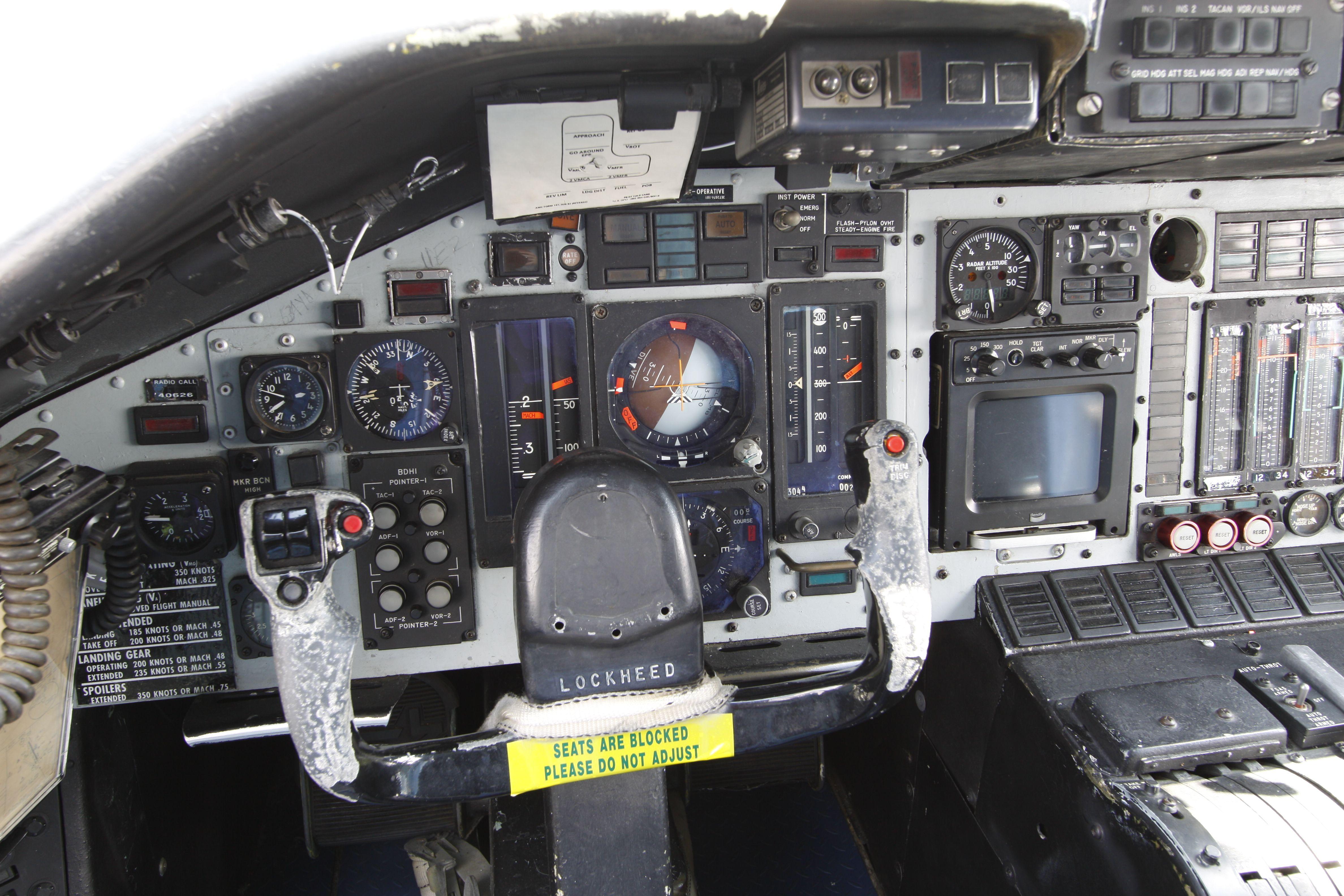Lockheed C 141a B Starlifter Pilot Cockpit Cockpit Lockheed