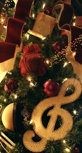 Music theme Christmas tree; copyright Sakura at Dreamstime ...