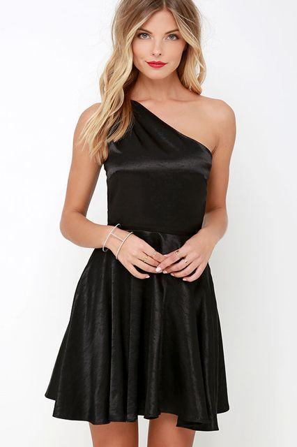 20 Flattering Affordable Party Dresses For Every Holiday Event