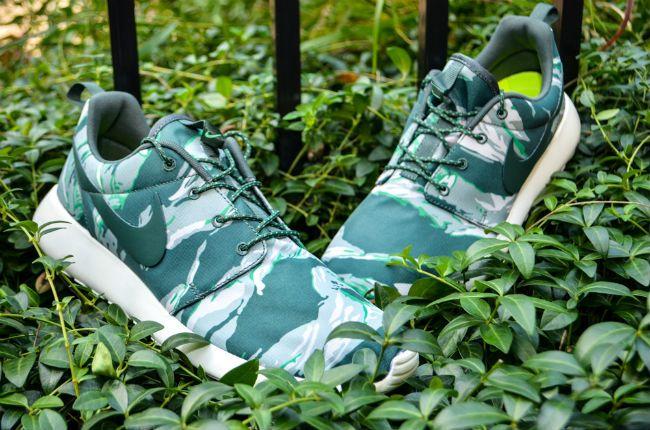 NIKE ROSHE RUN Men's $90 Running Shoes GPX Tiger Camo Shoes Size 13 Black Gray