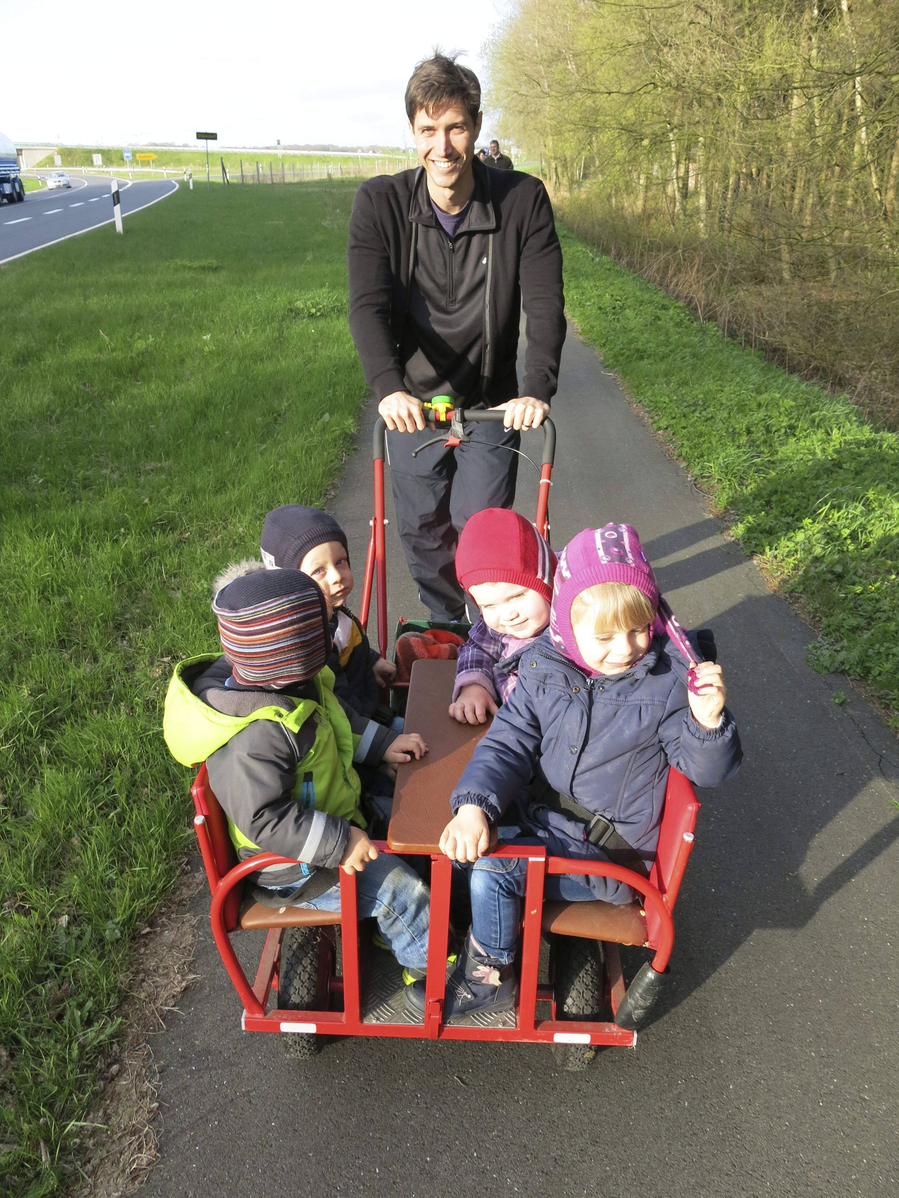Push Wagon Kids wagon, Woodworking for kids, Woodworking
