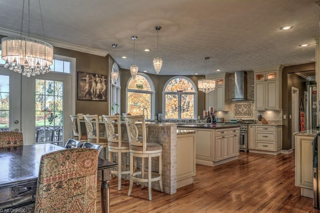 4821 Arbour Green Dr, Akron, OH 44333   Zillow