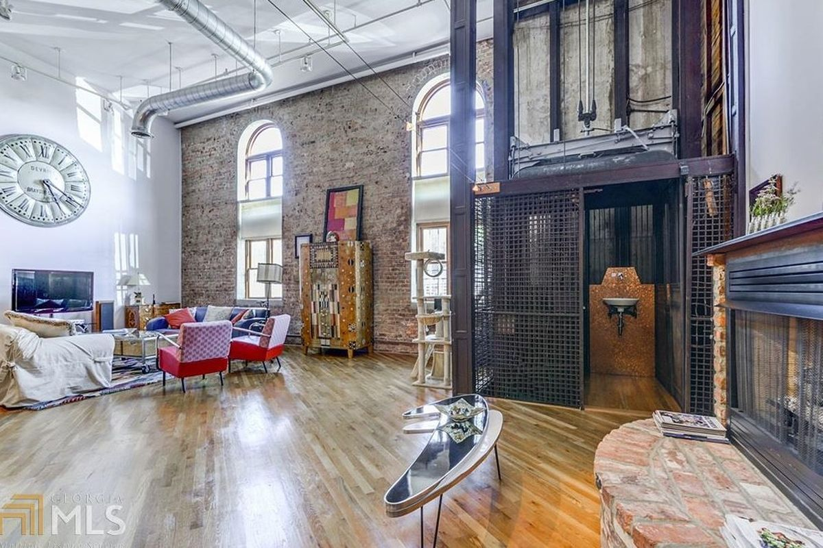 For 550K, vast Castleberry Hill loft takes authenticity