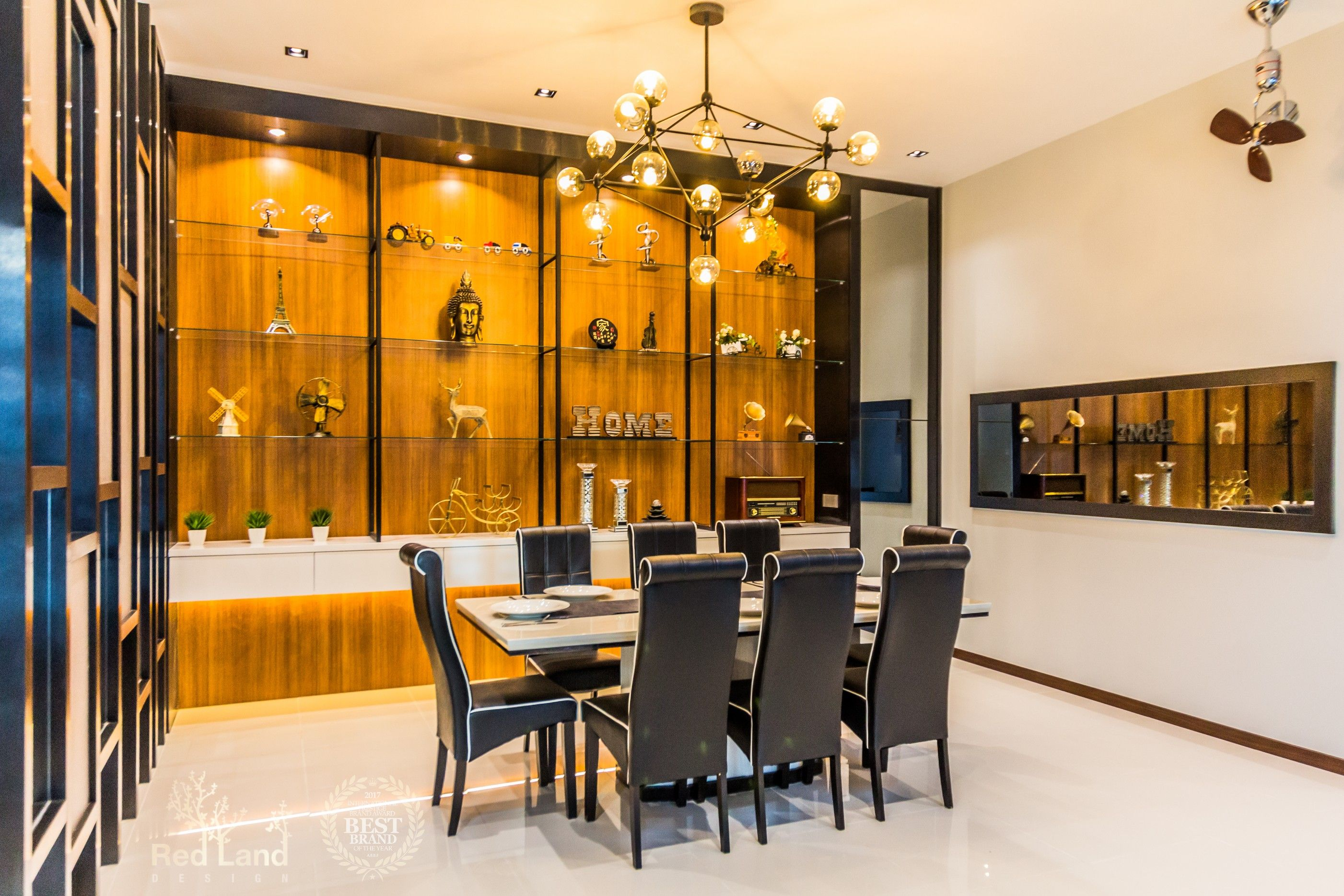 Feature Display Wall Laminate Backdrop Was Carefully Selected To Brought Up Luxury Result To Suits The Mode Dining Area Design Room Display Modern Contemporary