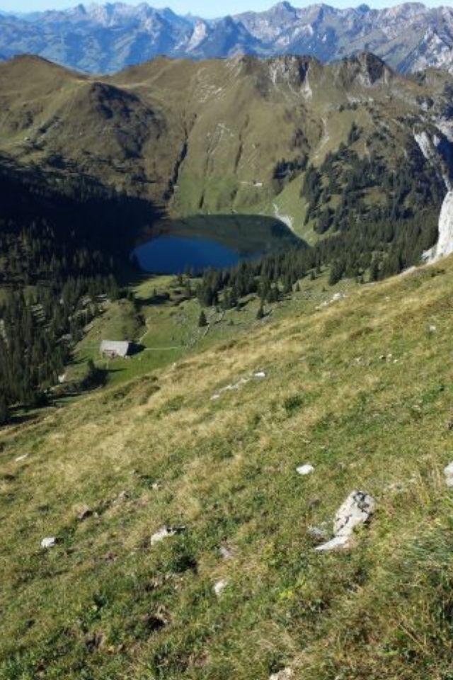 Ausblick von unterhalb des Stockhorn