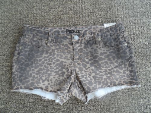 NWT Decree Cotton Shorts Juniors Size 13 Low Rise Brown Leopard Style Pants