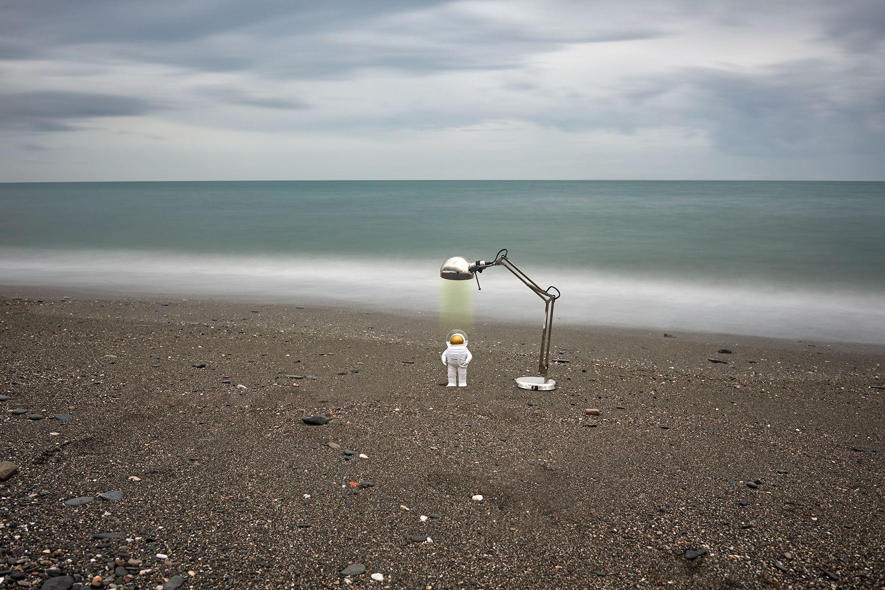 Traje y maquina desinfectante para playas COVID-19