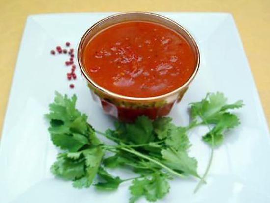 La meilleure recette de Chutney indienne à la tomate! L'essayer, c'est l'adopter! 4.7/5 (3 votes), 1 Commentaires. Ingrédients: 4 tomates coupées en dés, 40g de sucre, 1 cuillère à soupe de curry, un peu de poivre moulu, 1 cuillère à café de curcuma, 1 cuillère à café de gingembre râpé, 1 cuillère à café de graines de cumin, de l'asafoetida, de l'huile, du sel