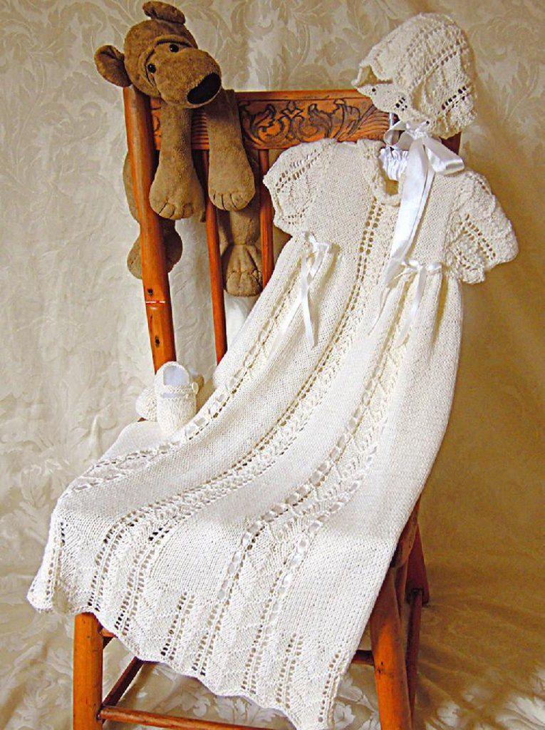 Christening gown, bonnet and shoes set | Crochet baptism gowns ...