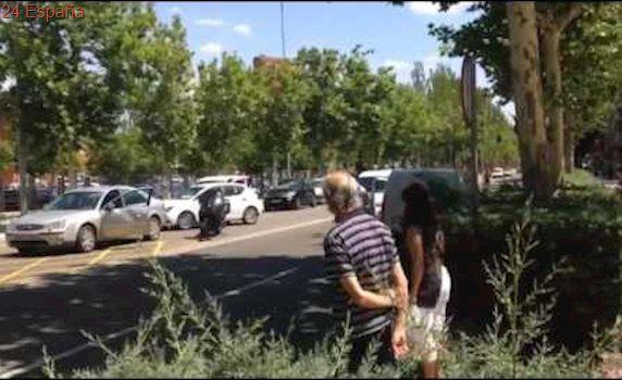 Pelea entre un conductor y un motorista en la Avenida Requejo.