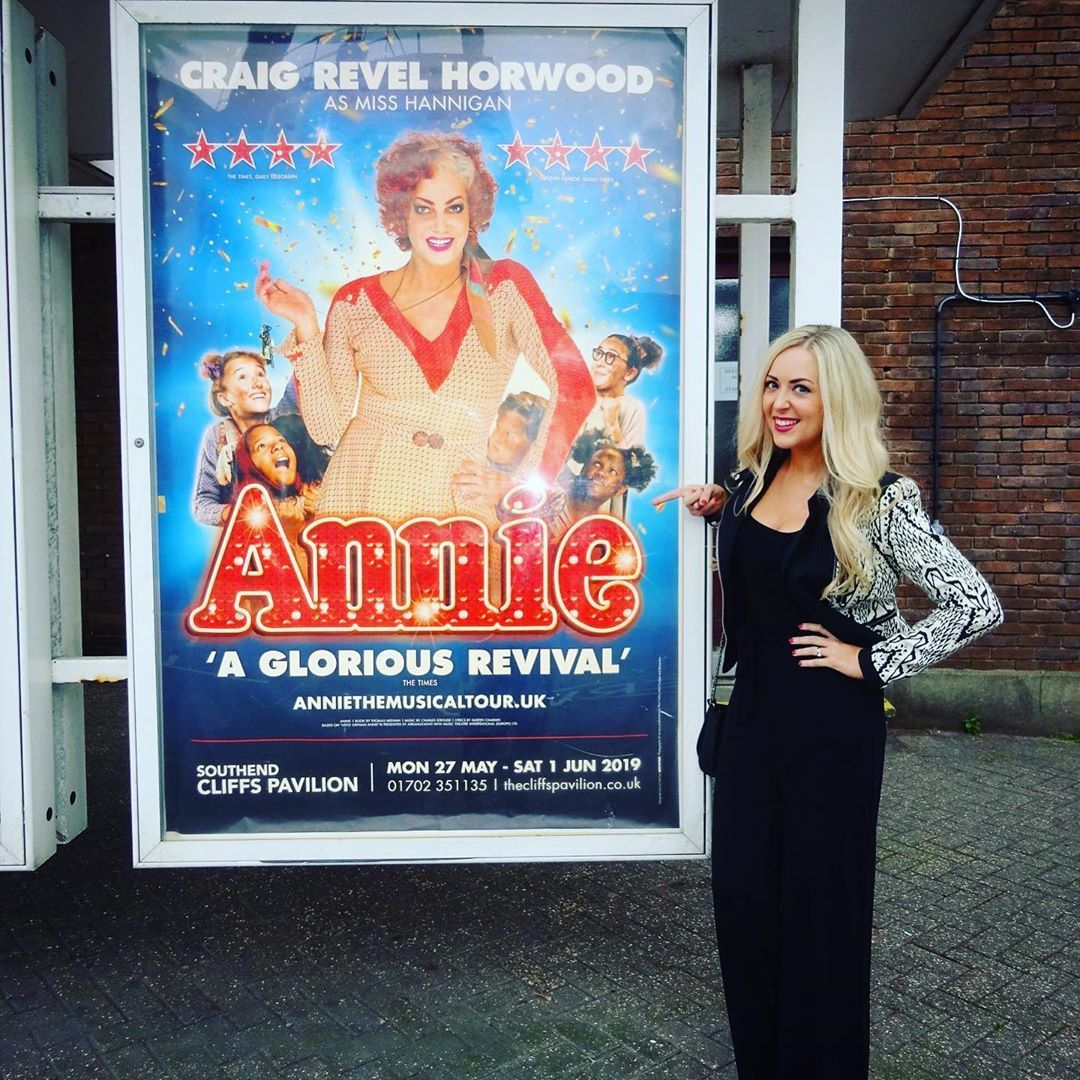 """Loved seeing """"Annie"""" this evening for my Mum's birthday in sunny Southend!  Super proud of @karensproutty 😘 fabulous job on the show!  Brought back loads of happy memories of when we performed in it in HK & Sg - lovely Annie friends ❤️ Thinking of those who are so sadly no longer with us xx   anniethemusical  musicaltheatre  musical  performer  artsed  memories  cliffspavilion  grateful"""