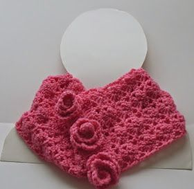 aselle a really easy and lovely lace crochet cowl