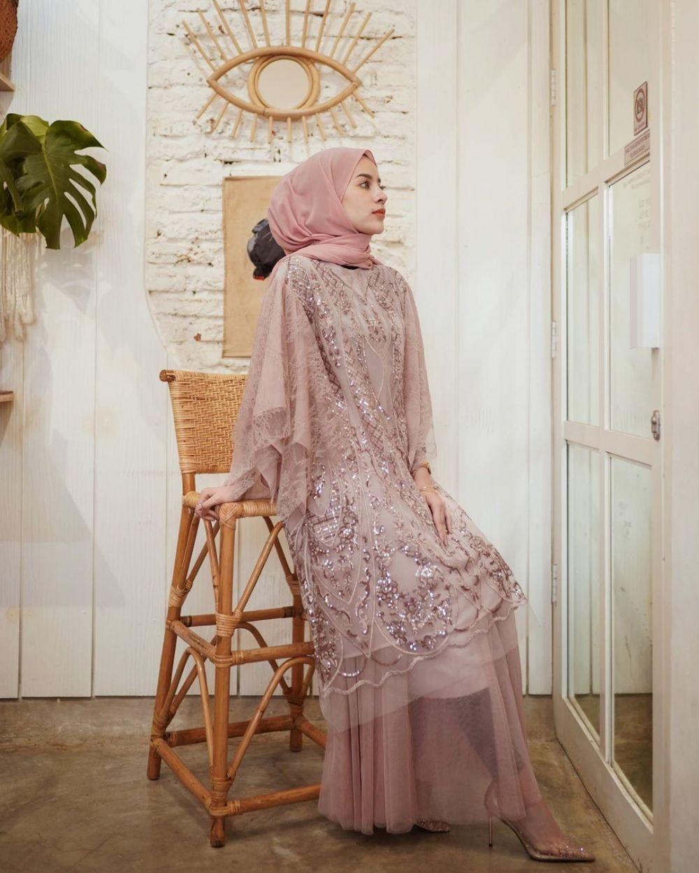 11 Desain Baju Gamis Brokat di 11  Pakaian pesta, Kebaya muslim