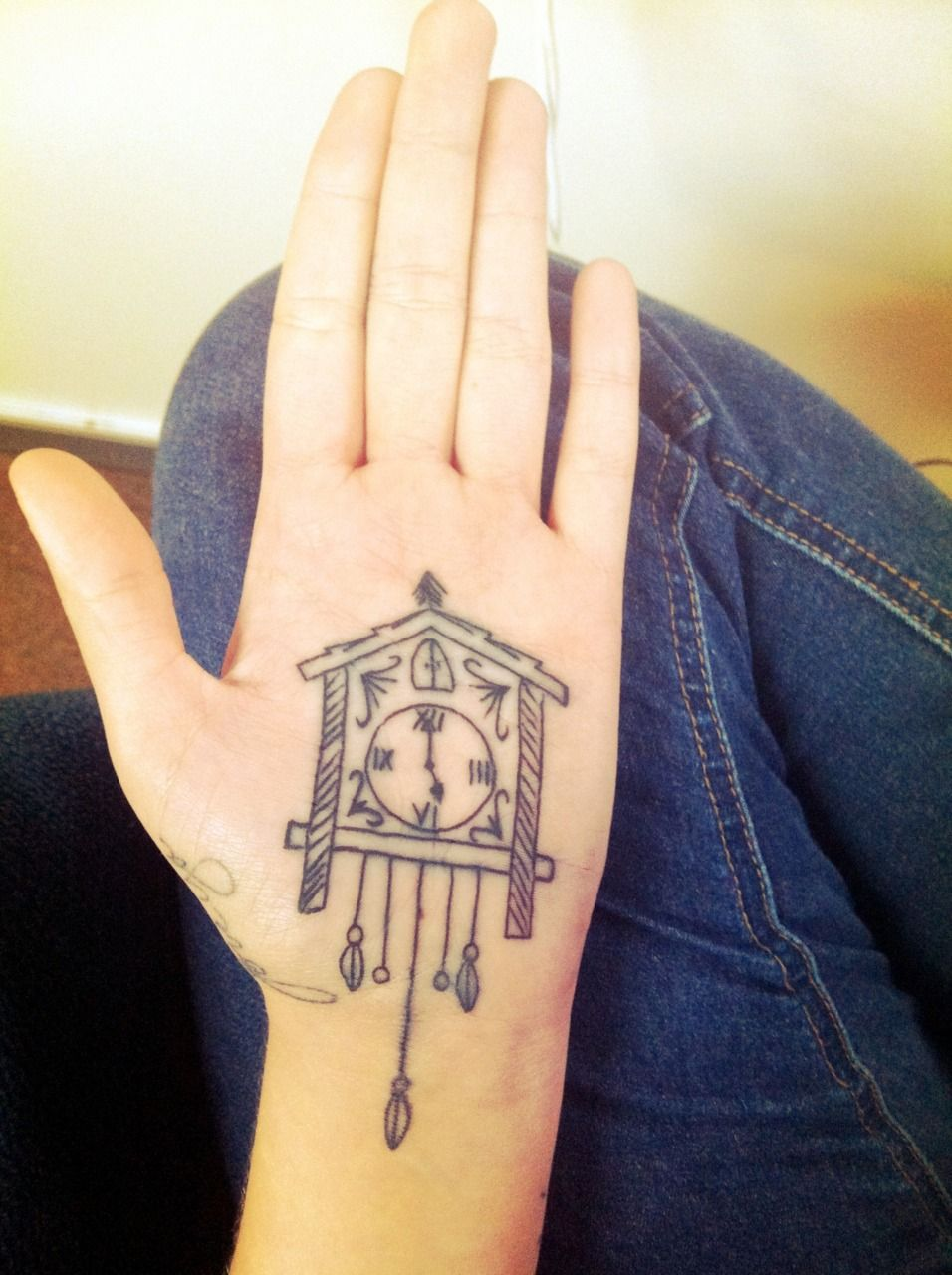 Cool tattoo designs for your hand kookoo clock  t a t t o o s ueueue  pinterest  clocks palm tattoos