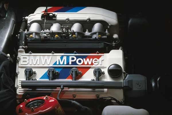 first generation of BMW M3. Featuring: BMW M3 E30 Evo1 engine 220 HP, Motor 220 PS, 1988.