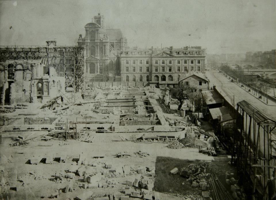 Démolition de l'ancien Hôtel de Ville, après son incendie en 1871