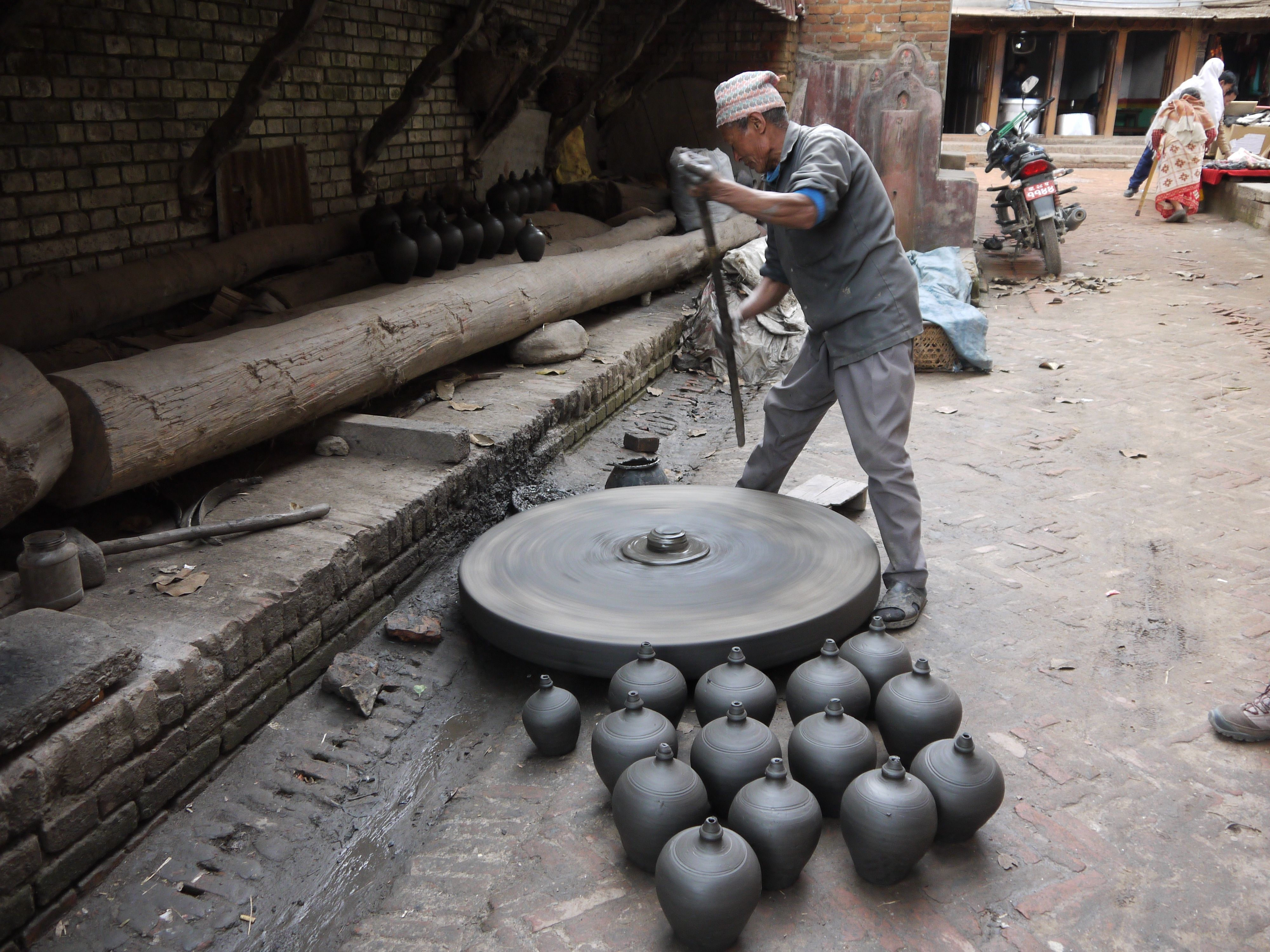Smith College Museum of Ancient Inventions: Potter's Wheel |China Pottery Wheel