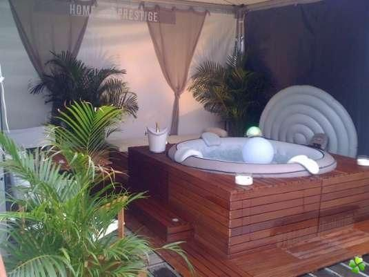 spa jacuzzi habillage bois piscine entretien j 39 annonce jardin pinterest spa. Black Bedroom Furniture Sets. Home Design Ideas