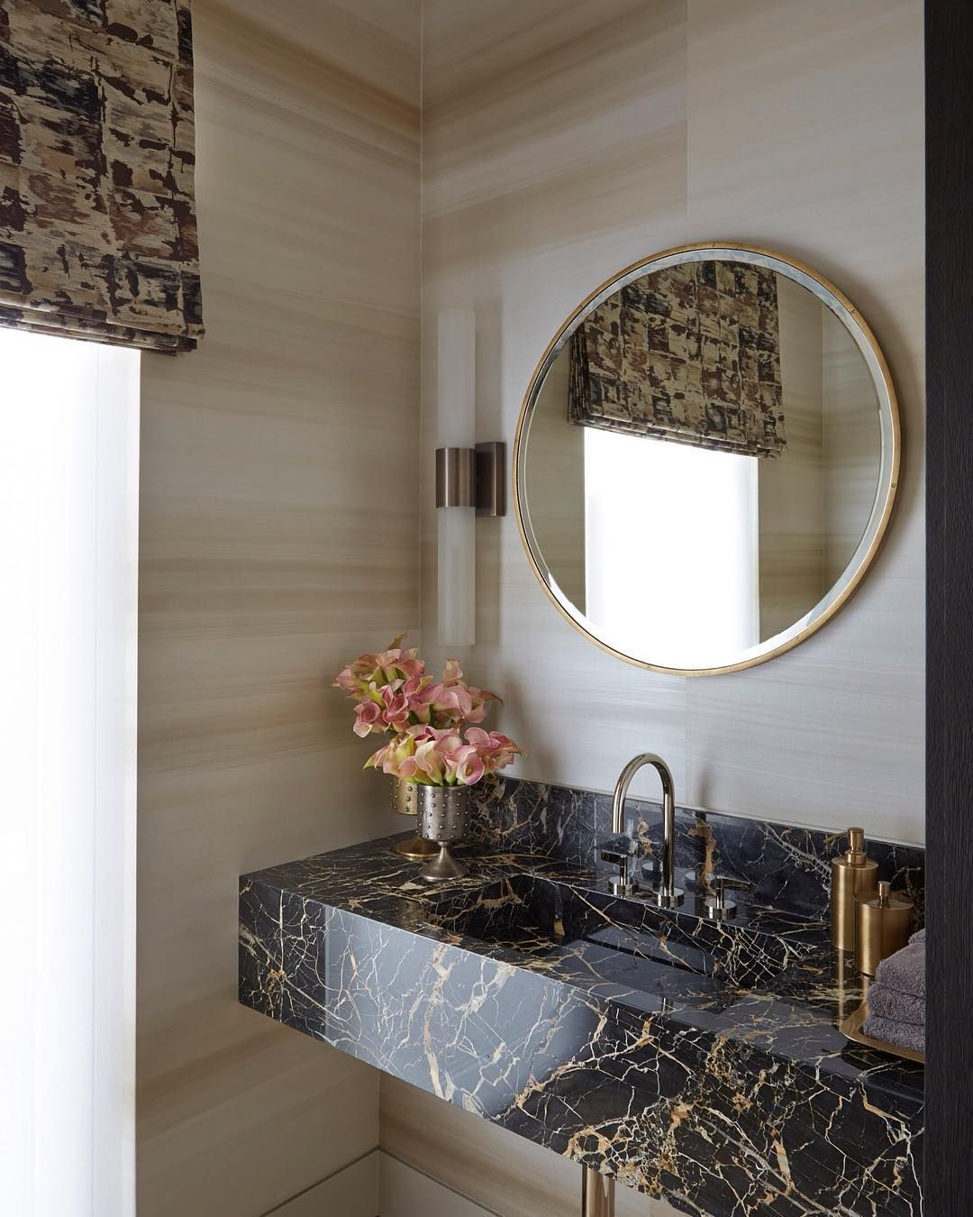 The beautiful marble in the powder room of our Penthouse North project in Knightsbridge. More coming soon to the blog! #hgdfinishes #marble #powderroom #interiordesign #helengreendesign #liveableluxury #penthousenorth #knightsbridge #londoninteriors