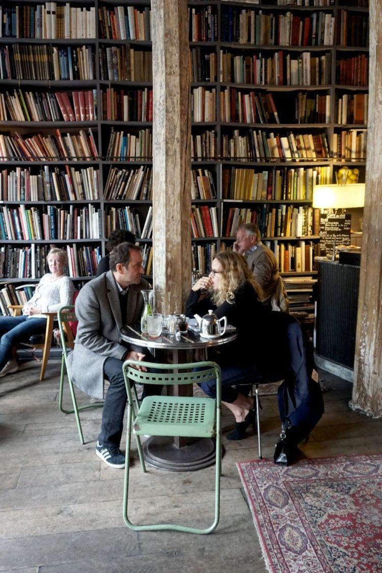 Merci used book cafee