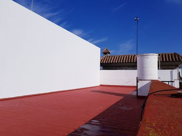 Casa pareada de planta baja de 82m, dos dormitorios, porche y patio