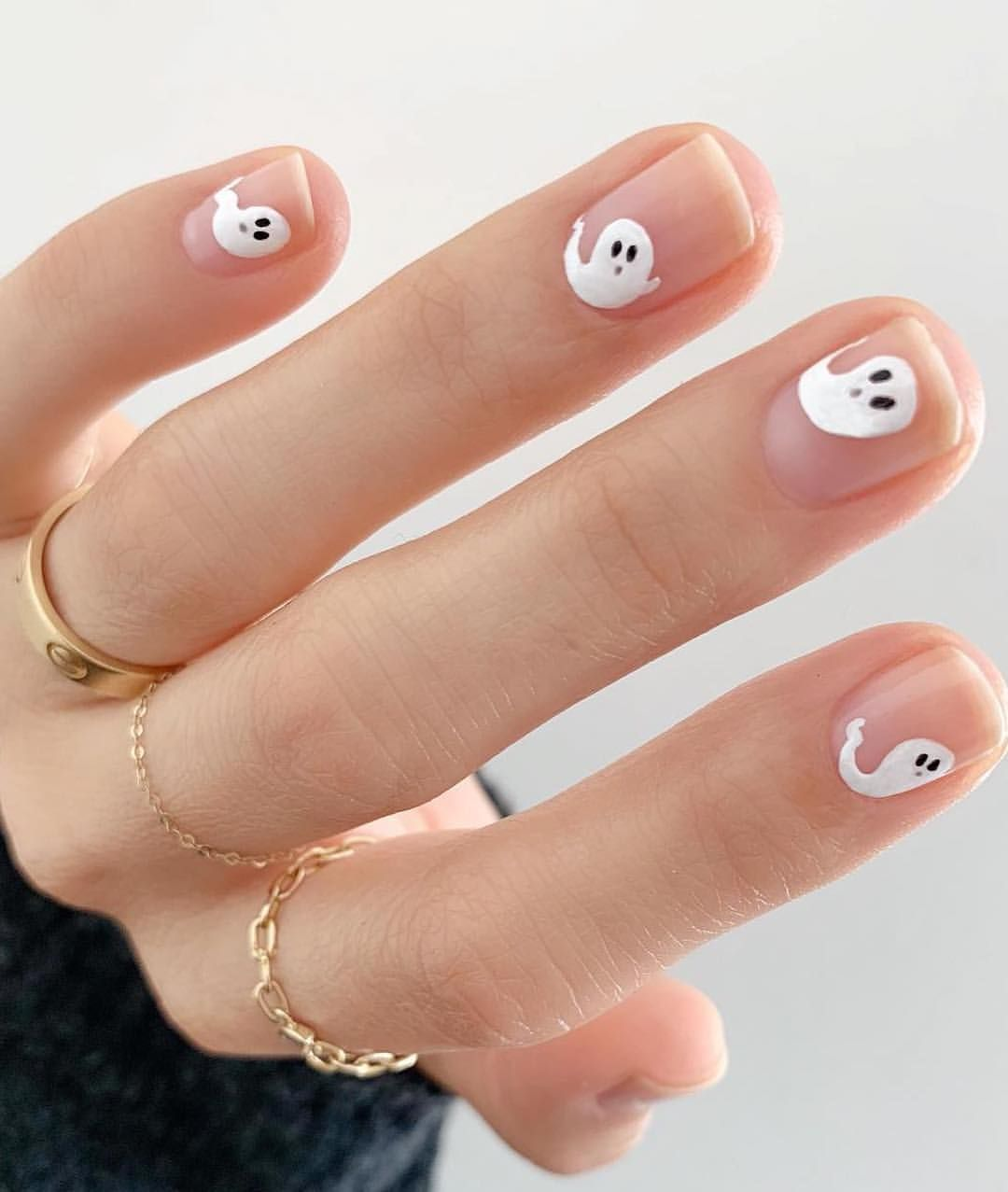 Minimalist Halloween Nails! Love these 3 looks that are ...