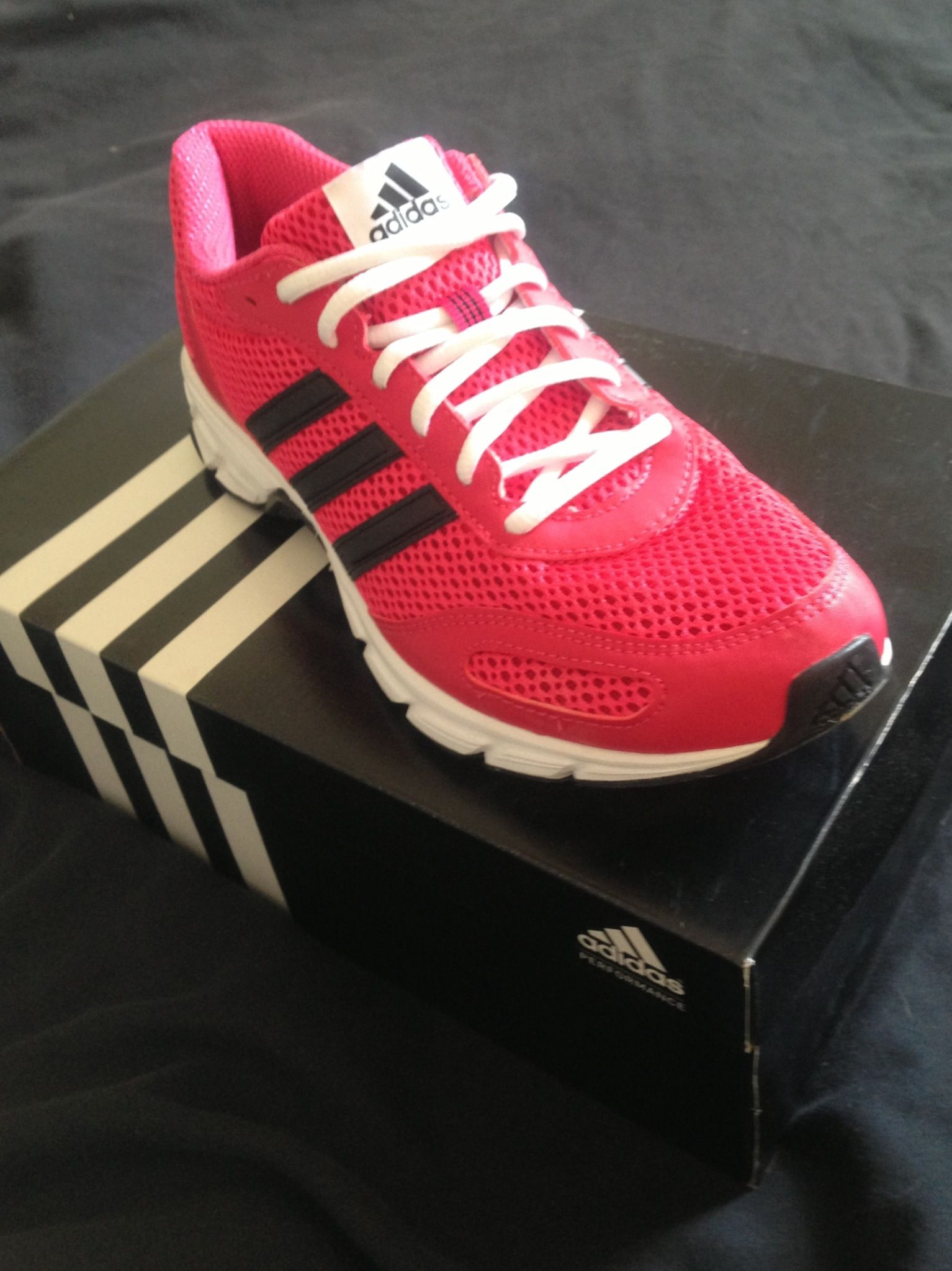 Adidas Running Trainers In Black Fucsia Love Them New Years I Ll Start Adidas Running Trainers Adidas Running Adidas Samba Sneakers
